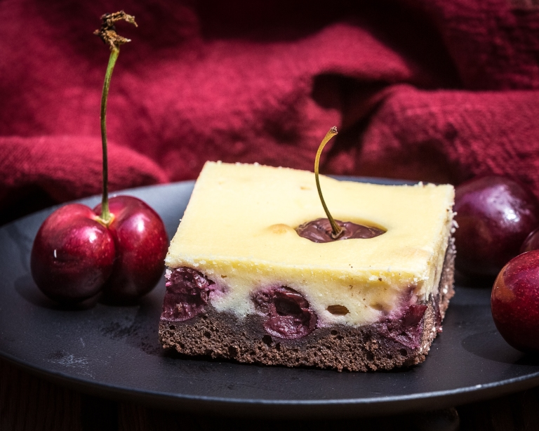 Cheese - cherry cake
